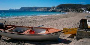 Agua Amarga, la playa tranquila