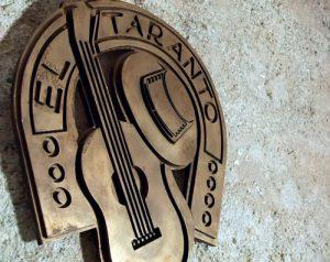escultura guitarra El Taranto Almería