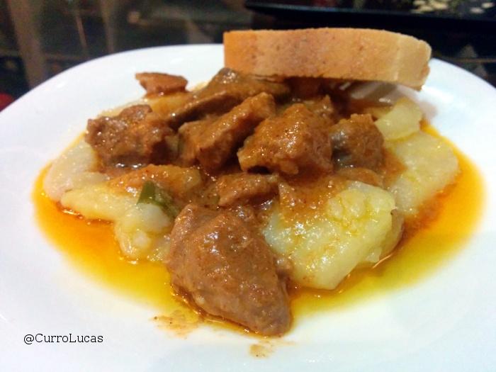 Dvinos - carne en salsa