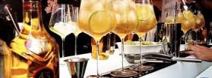 Coctelería con ron, ginebra y licor 43